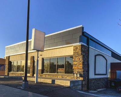Retail & Office For Sale in Lakewood (8,706 SF)