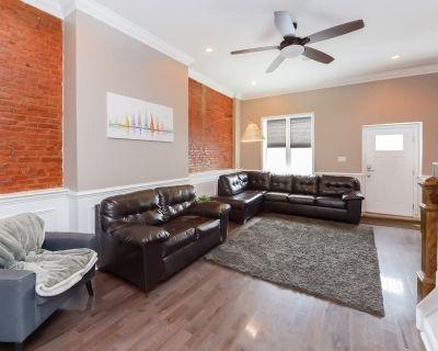 Six Bedroom Luxury Mansion - Easy Parking - North Philadelphia West
