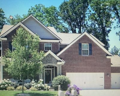 Beautiful, Spacious Avon Home close to downtown and Speedway - Avon