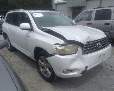 Salvage White 2009 Toyota Highlander