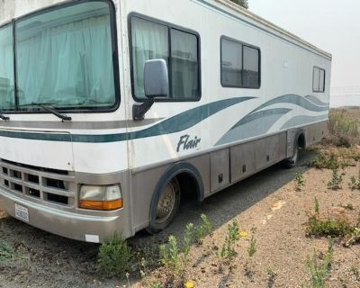 1999 Fleetwood Flair 30H Class A Motorhome V8 31' Sleeps 6 30H