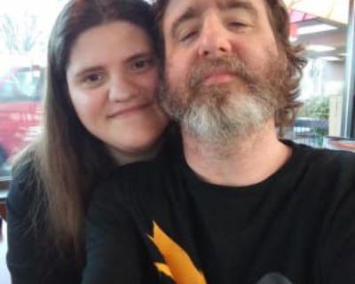 Jennifer & Jesse, 37 & 50 years, - Looking in: Fairfax Fairfax city VA