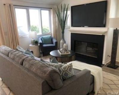439 Begonia Avenue 1/2, Newport Beach, CA 92625 2 Bedroom House