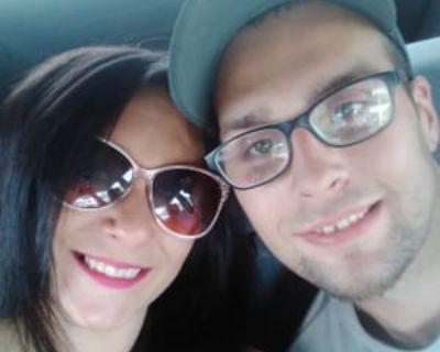 Angela, 34 years, Female - Looking in: Macomb County MI