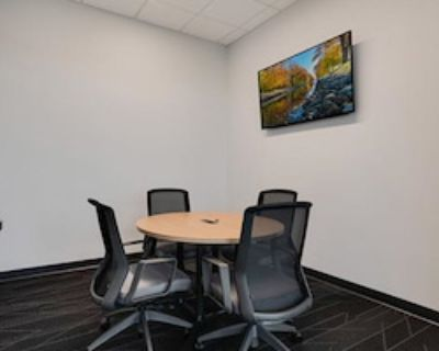 Private Meeting Room for 5 at e|spaces Orlando