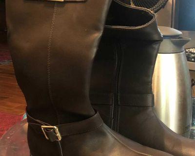 Michael kors boots size 7 brand new
