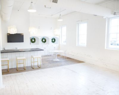 Bright, White, Open & Airy Downtown Annapolis Natural Light Studio, Annapolis, MD