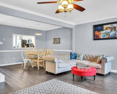 Comfy King Bed/In the Heart of VB - Virginia Beach
