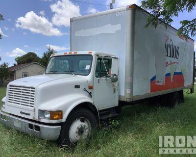 2000 International 4700 4x2 Cargo Truck