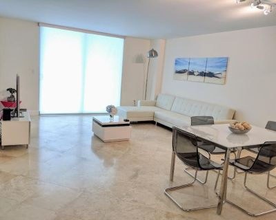 Fully Renovated One Bedroom Apartment @ The Club - Brickell