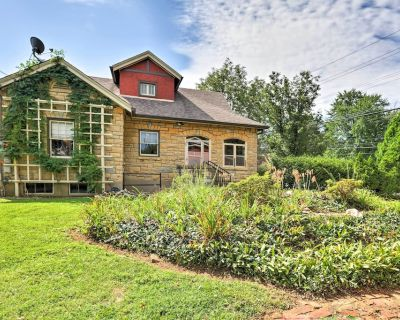 Louisville Home w/ Sunroom - 3 Miles to Downtown! - Strathmoor Village