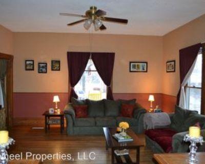 915 Dexter St, Clay Center, KS 67432 2 Bedroom House