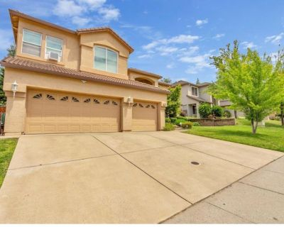 4090ft2 - A nice 5(6) bed large house in Prairie Oaks, Folsom - great location! (476