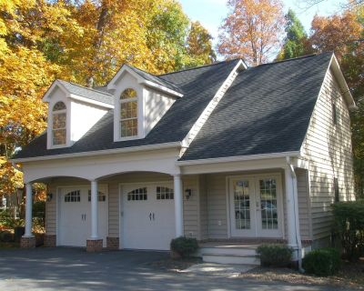 The Carriage House; Pathway to a Romantic Getaway. - Blue Ridge
