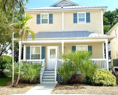 Casa Calypso- Beautiful Tropical Style House 3 King Beds Pool 2 mi to Beach - Stock Island