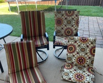 4 Fun and Colorful Outdoor Chair Cushions from Kohls