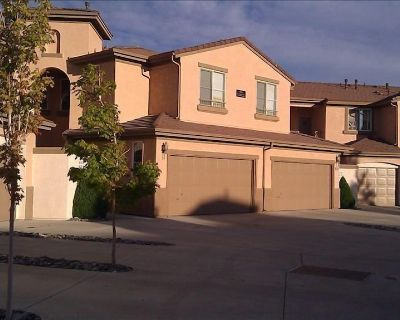 A Spacious Townhome/Condo with Spectacular Golf View, 1,599 sf. - Sparks