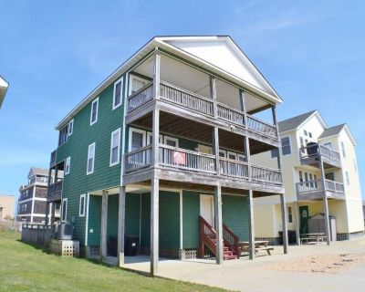 This home is uniquely decorated for that real paradise getaway! - Kill Devil Hills