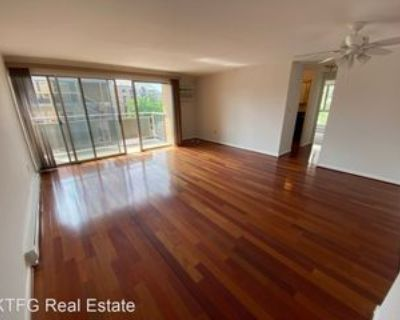 200 Highland Ave #300, State College, PA 16801 2 Bedroom House