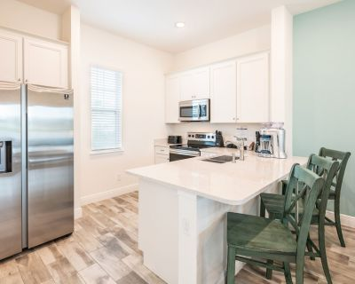 Beautiful Cottage near Disney with Hotel Amenities at Margaritaville 8037KD - Four Corners