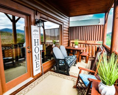 Panoramic Mtn Views! Oversized Private Hot Tub, GameRoom, Sauna, Steam Room&Gym! - Pigeon Forge