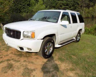 2000 Cadillac Escalade Standard