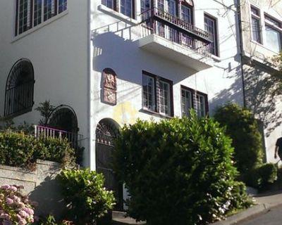 Russian Hill, SF 1 Bedroom 1 Bath Apartment