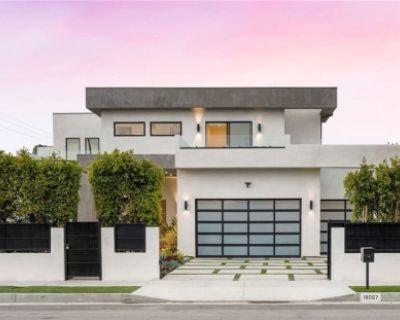 Mansion in Encino, Encino, CA