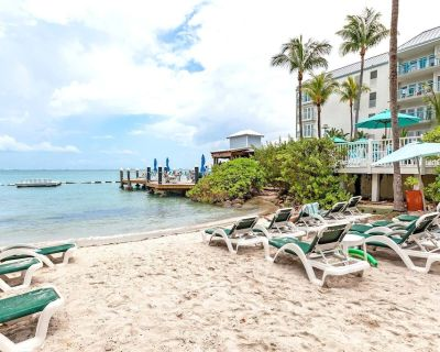 May 22 to May 29 - Galleon Resort! - Old Town - Best Location in Key West! - Historic Seaport