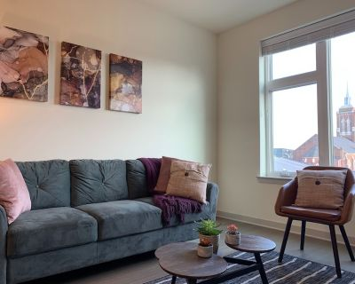 Central 1BR Apt w/ Parking - Minutes from River - Butchertown