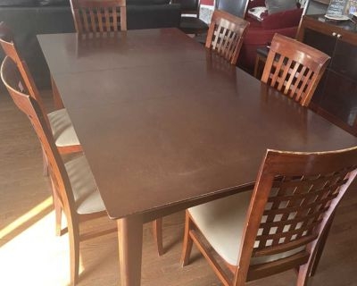 Dining room table +6 chairs 230$