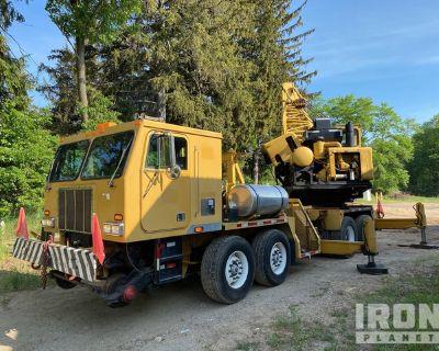 Holmes 8x4 Hydraulic Truck Crane