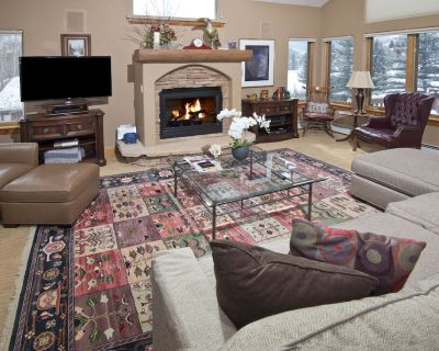 Plush Vail Home on Free Town Shuttle Route, 7 Min to Mtn! Walk to Shops, Dining - West Vail