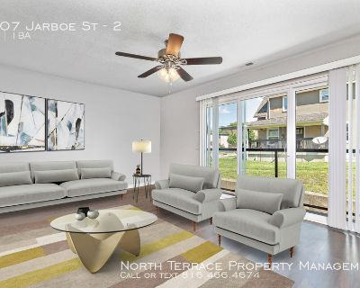 Beautifully Renovated 2BR w/ Modern Kitchen Close to the Plaza, Westport