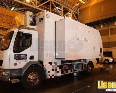2014 Peterbilt Professional Low Mileage Food Truck / Commercial Mobile Kitchen