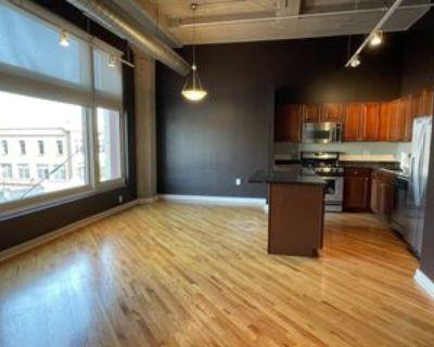 2107 Grand Boulevard #306, Kansas City, MO 64108 2 Bedroom Condo