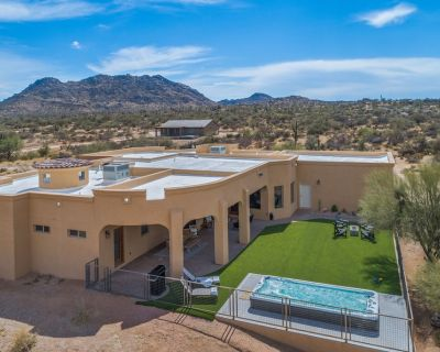 Private and Secluded with Game Room, Home Theater, Swim SPA, BocceBall, Fire Pit - Rio Verde Foothills