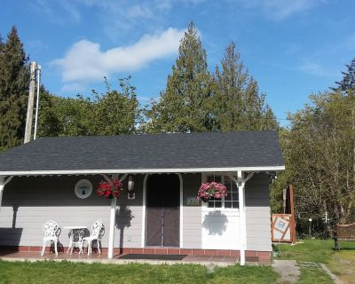 Our Creekside Cottage is Located Only a Mile From the Olympic Discovery Trail - Sequim