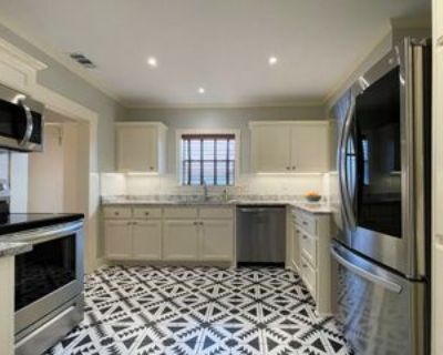 2556 S University Dr #A, Fort Worth, TX 76109 3 Bedroom Apartment