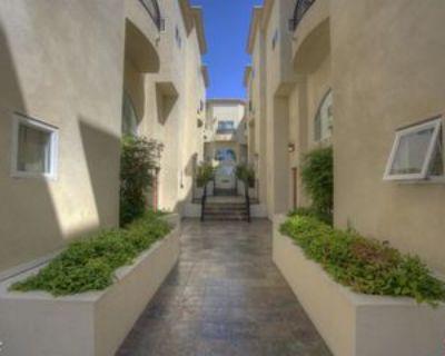 1513 Berkeley St #3, Santa Monica, CA 90404 3 Bedroom House