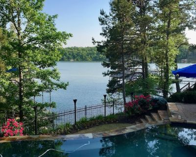 Intimate Lakefront Retreat With Magnificent Infinity Pool and Stunning Lake View - Dawsonville