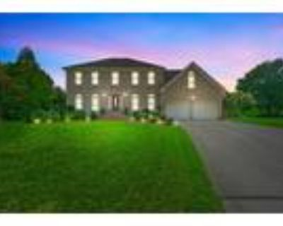 Gorgeous Waterfront Home In Chesapeake!