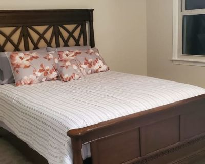 Private room with ensuite - Sterling , VA 20164