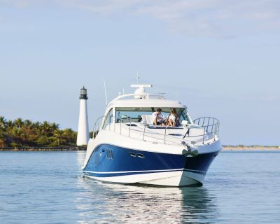 Charter 60ft Sea Ray Private Yacht - Downtown Miami