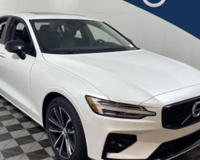 2021 Volvo S60 Momentum