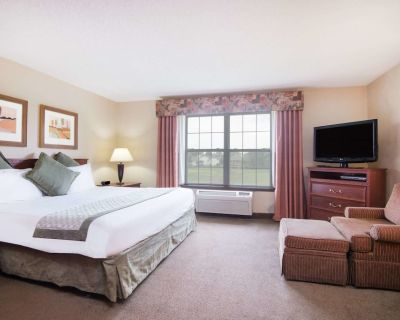 The Marigold Grand Hotel and Suites - Wichita