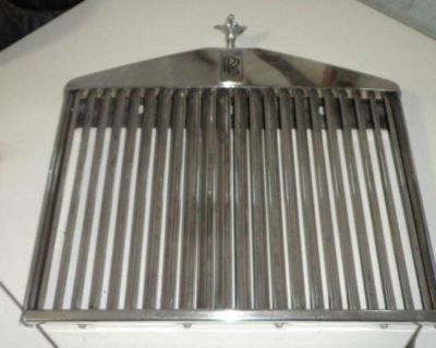 Rolls Royce Grille W/ Mascot Will Fit From 1975 To 1980