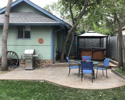 Captain Jack s Cottage in Beautiful Cheyenne Ca on 2 blocks from Broadmoor Hotel - Southwest Colorado Springs