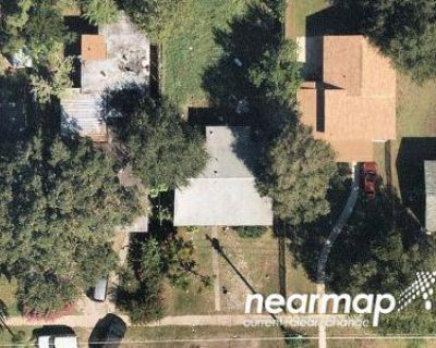 1.0 Bath Foreclosure Property in Saint Petersburg, FL 33711 - 20th Ave S