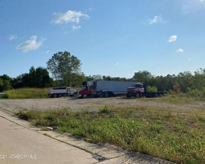Plot For Sale In Holts Summit, Missouri